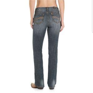 AURA by Wrangler Women's Regular Rise Jeans
